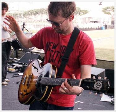 Thom和他的Gibson ES-125T