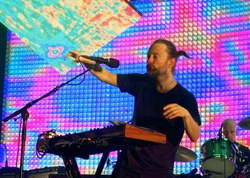 2012年,Thom和这台合成器。